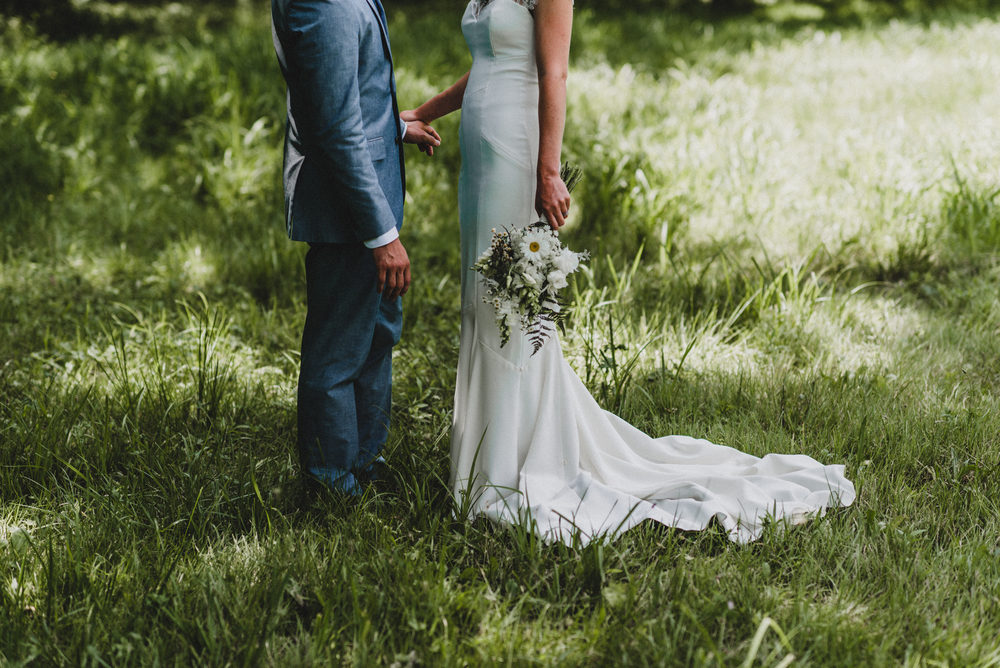 Intimate-Backyard-Farmhouse-Ohio-Wedding-Andi+Ben_Mallory+Justin-Photographers-81.JPG
