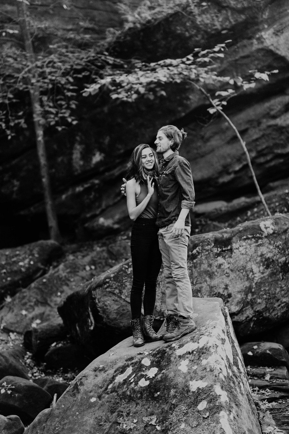 Wildnerness-Waterfall_Couples-Session_DocumentaryPhotographer_MJPHOTO-158.JPG