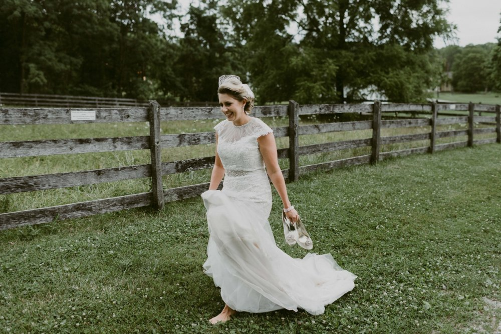 Hines-Hill-Farm-Cuyahoga-Valley-National-Park-Wedding_Emi+Andy_MJPHOTO-73.jpg