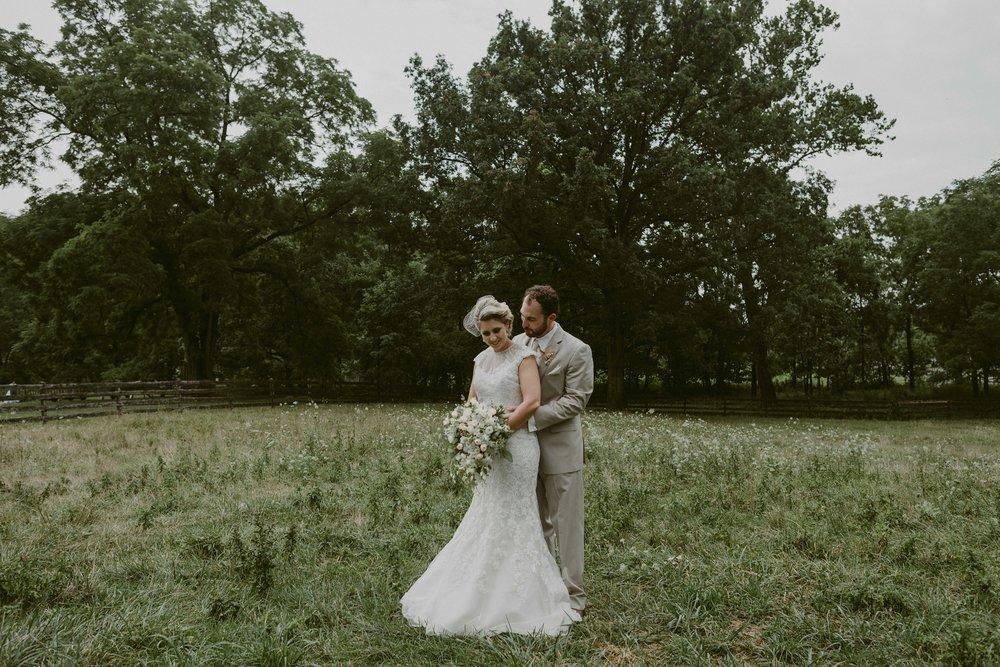 Hines-Hill-Farm-Cuyahoga-Valley-National-Park-Wedding_Emi+Andy_MJPHOTO-355.jpg