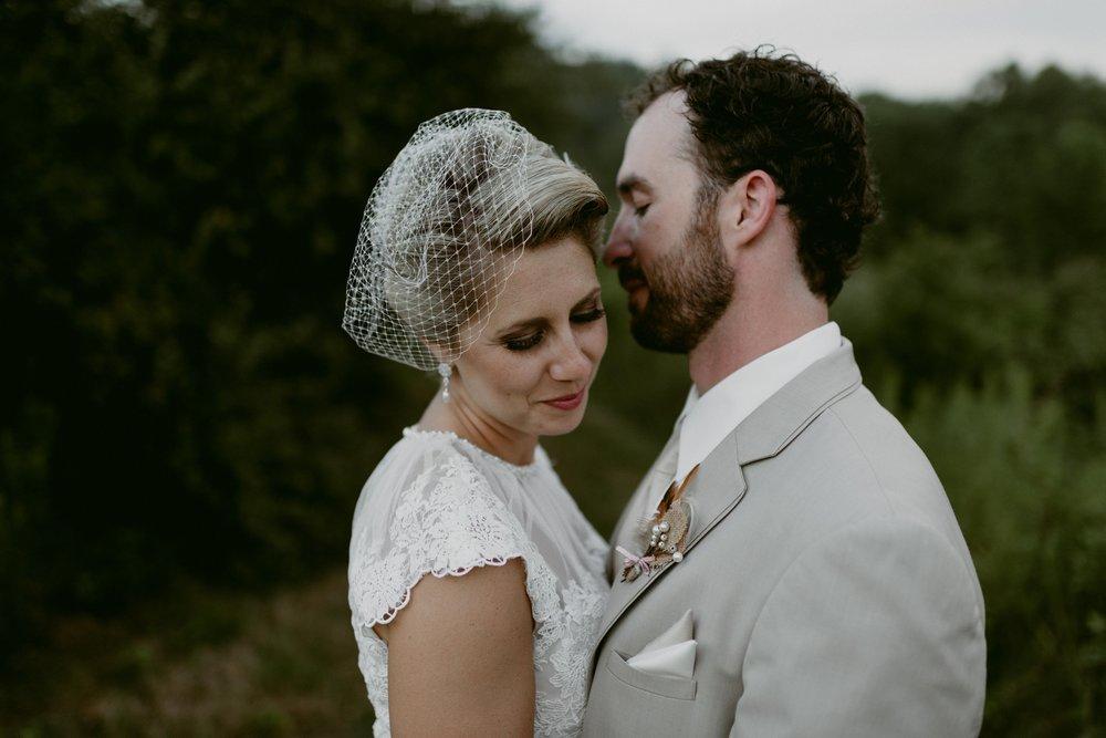 Hines-Hill-Farm-Cuyahoga-Valley-National-Park-Wedding_Emi+Andy_MJPHOTO-733.jpg