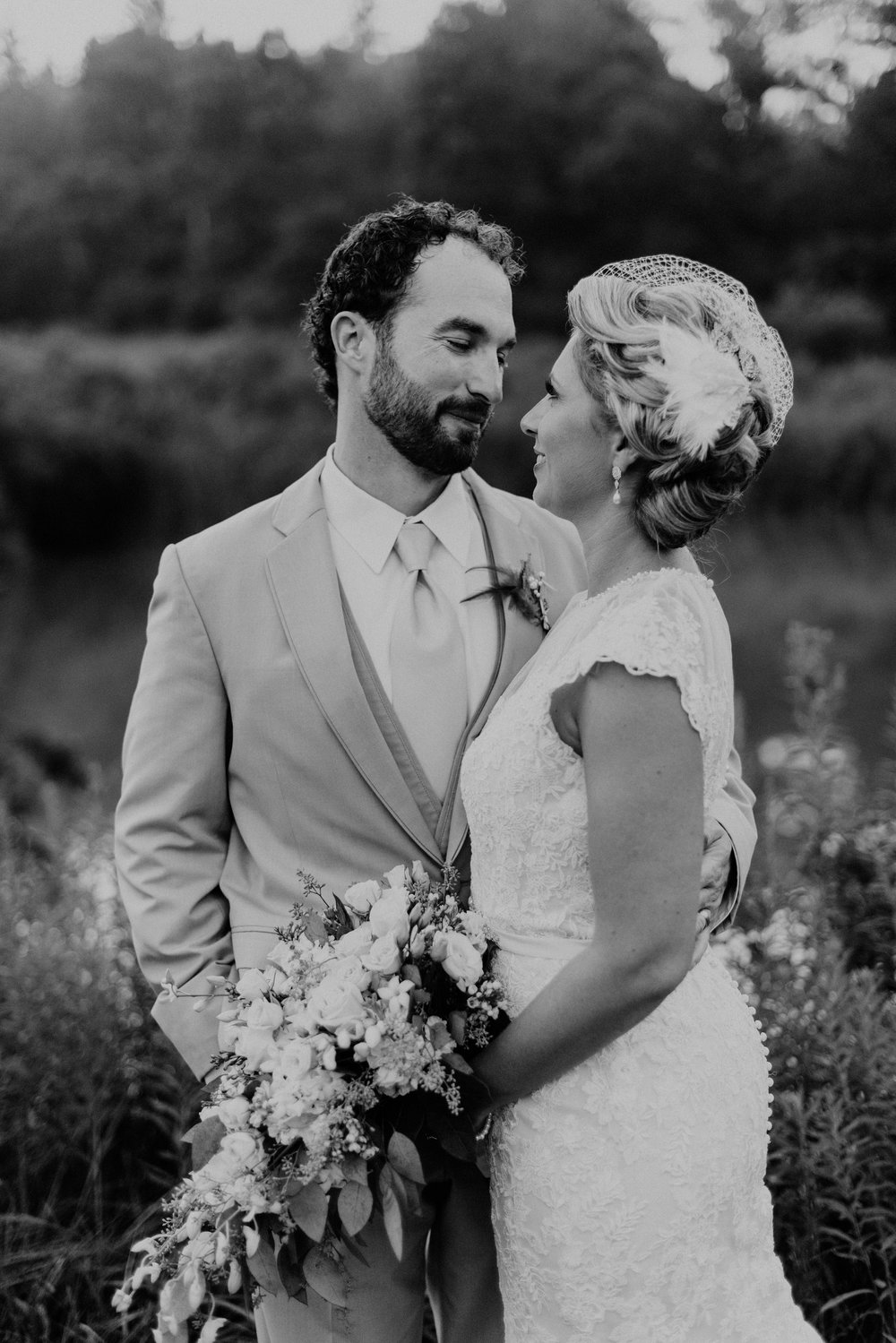 Hines-Hill-Farm-Cuyahoga-Valley-National-Park-Wedding_Emi+Andy_MJPHOTO-747.jpg
