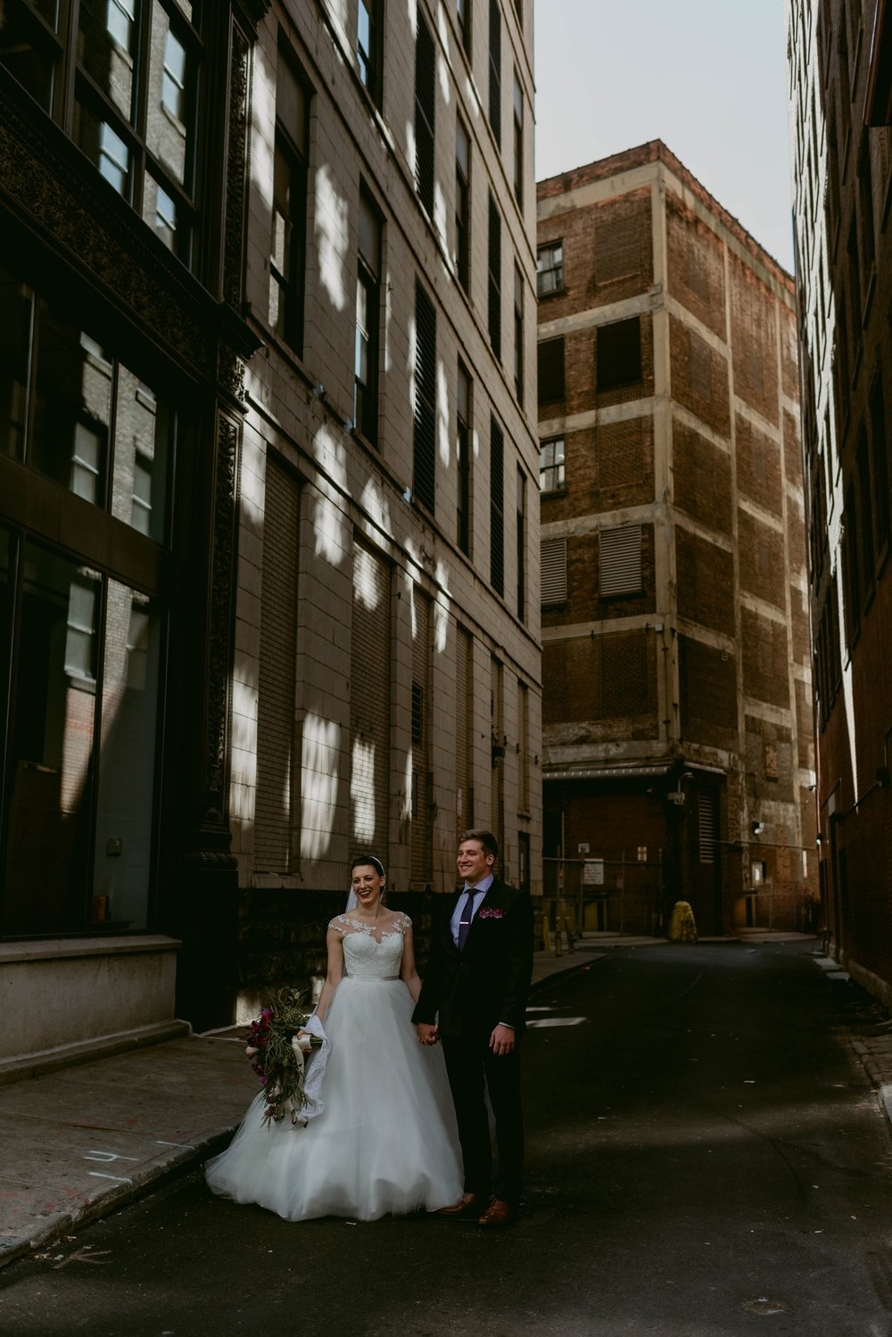 Romantic-Industrial-Warehouse-Wedding_Mallory+Justin-Photographers_0176.jpg