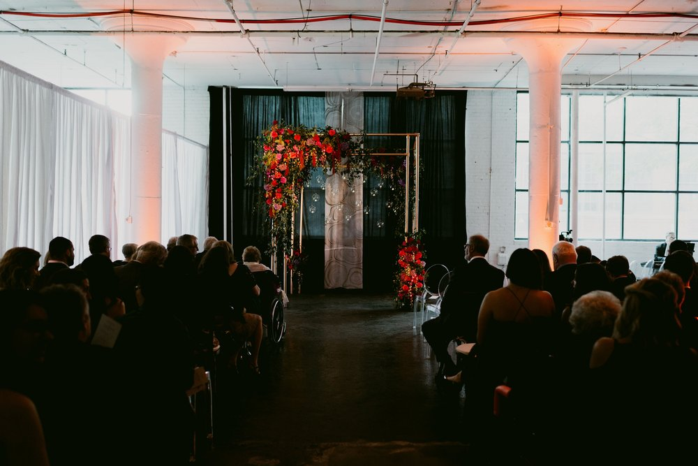 Romantic-Industrial-Warehouse-Wedding_Mallory+Justin-Photographers_0190.jpg