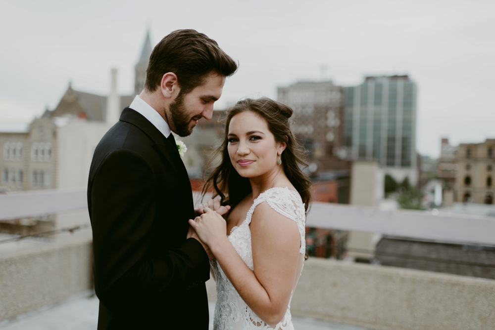 Rooftop-Elopement-Styled-Shoot_0104.jpg