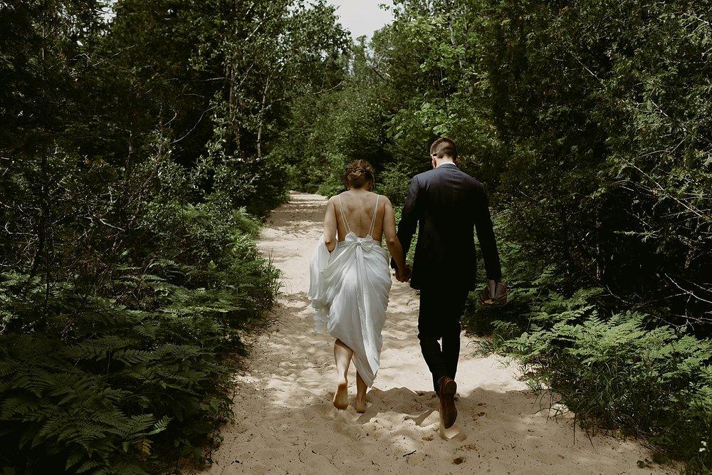 Michigan-Sand-Dunes-Wedding_Ashley+Zach-200.jpg