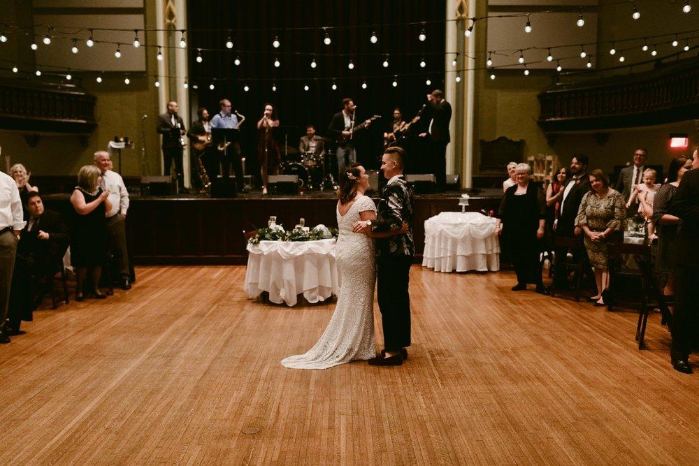 Buffalo-Wedding-Babeville-NY-Courtney+Liz_MJPHOTO-689.jpg