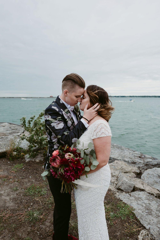 Buffalo-Wedding-Babeville-NY-Courtney+Liz_MJPHOTO-347.jpg