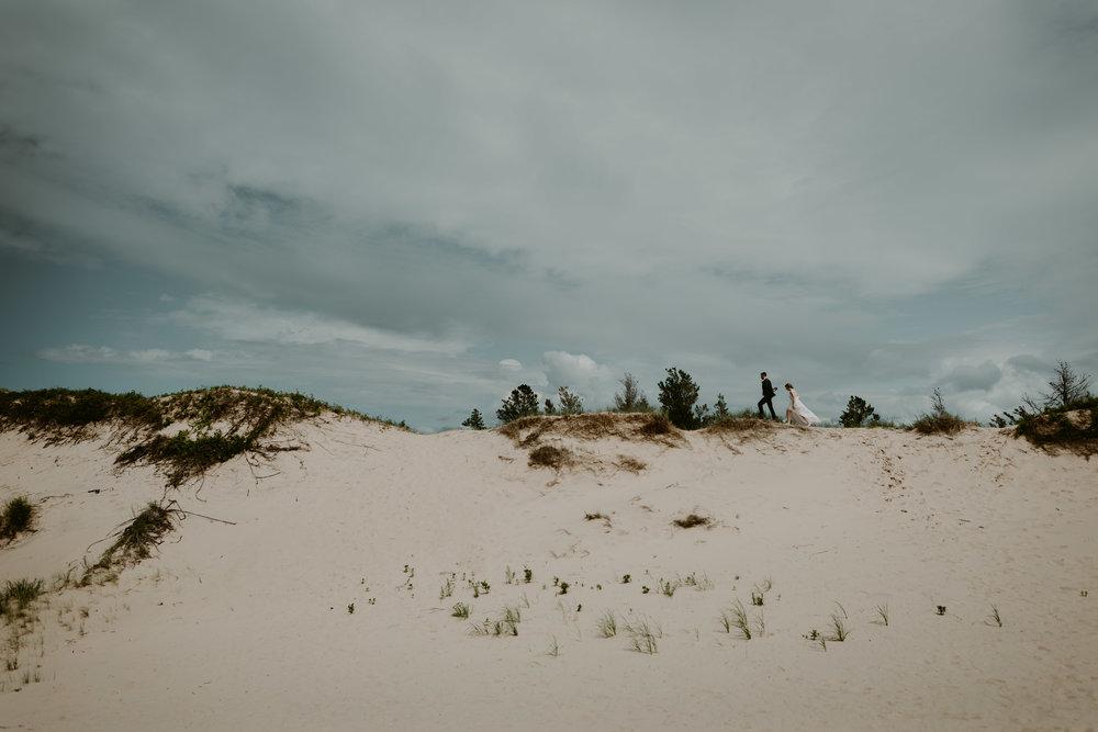 Michigan-Sand-Dunes-Wedding_Ashley+Zach-302.jpg
