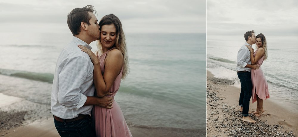 Sleeping_Bear_Dunes_Couples_Adventure_Session_Adventure_Wedding_Photographer_Hiking_with_Heels_Brett+Emily-72.jpg