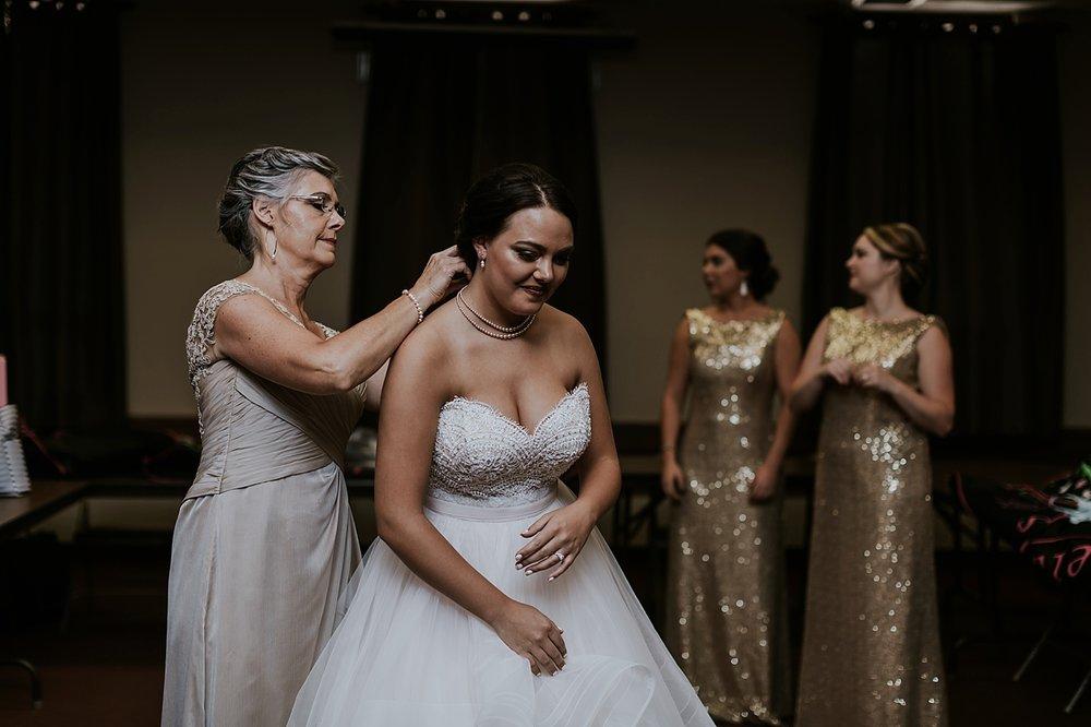 Ohio-Wedding_Kathryn+Devin_MJPHOTO2017-187.jpg