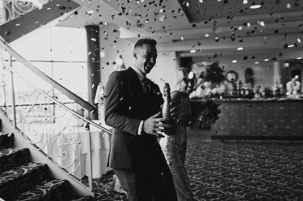 Ohio-Wedding_Kathryn+Devin_MJPHOTO2017-755.jpg