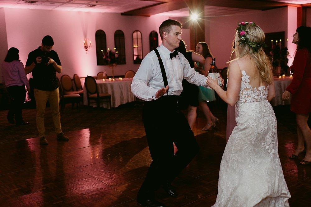 HudsonOhioWedding-Rachel+Eric-TheHeartlandersCollective-623.jpg