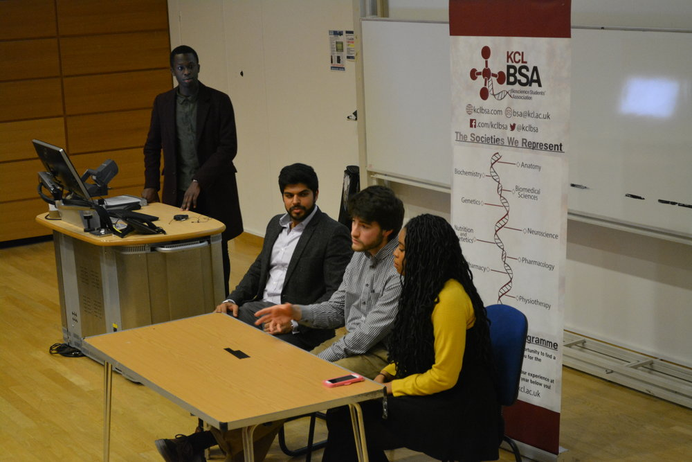Speakers answering questions on our Getting into Medicine or Dentistry event