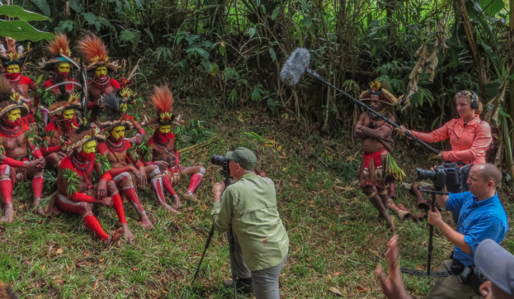 Art Wolfe on Location with Huli Wigmen, Papua New Guinea