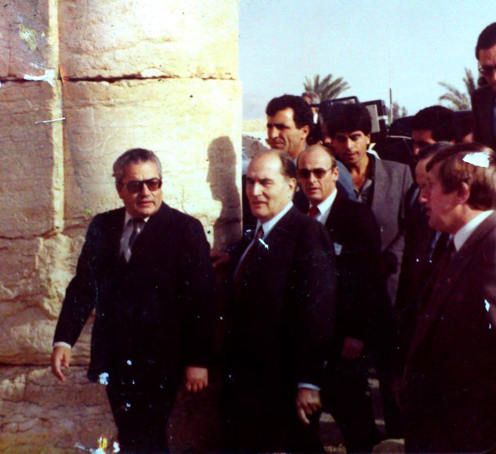 Khaled al-Asaad  touring an acient Syrian site with former French President Francois Mitterrand.