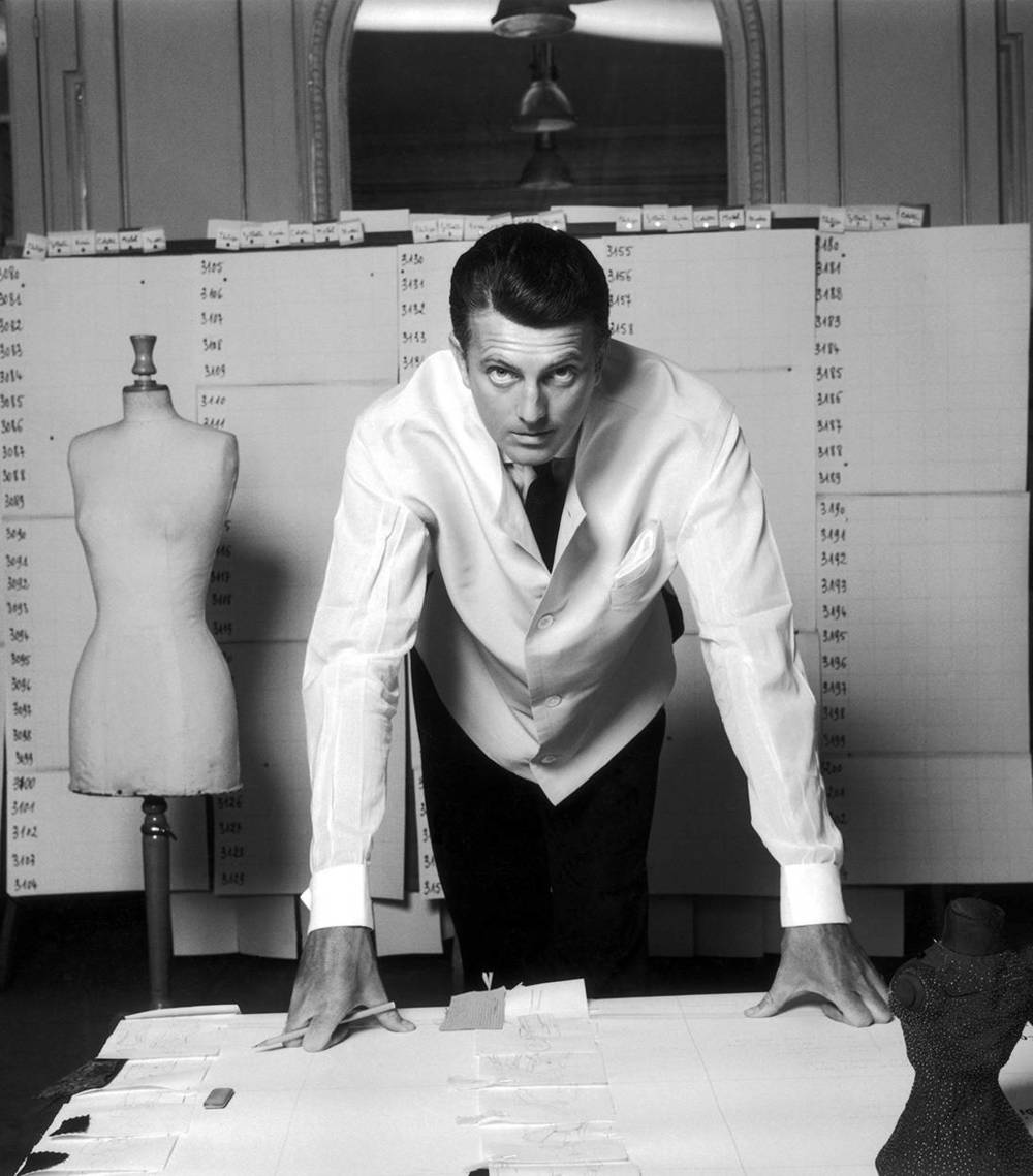 Hubert De Givenchy in his studio, Photographed by Robert Doisneau, 1960.