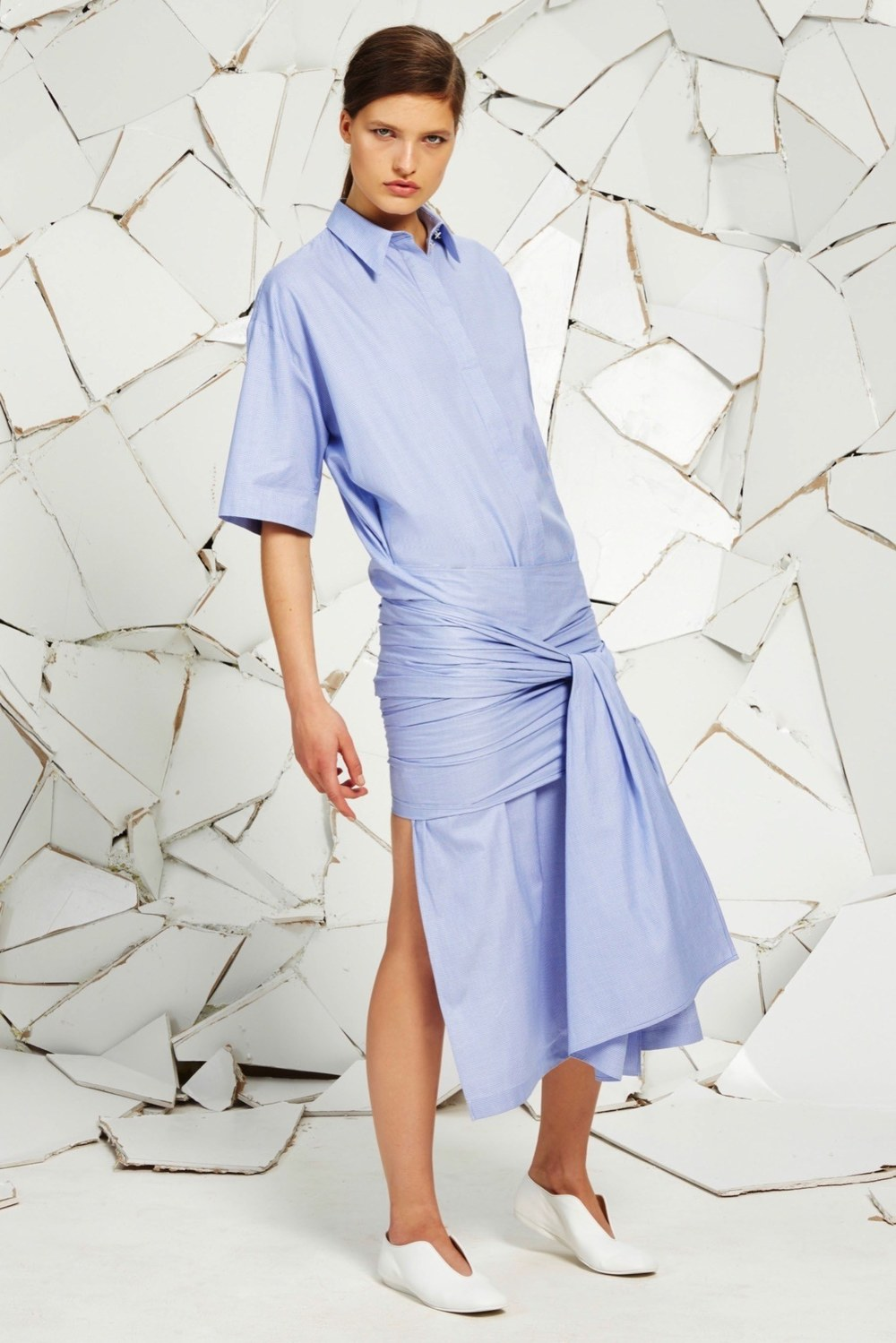 A look from Stella McCartney's Resort 2016 collection.  Photo source:   Vogue   Runway.