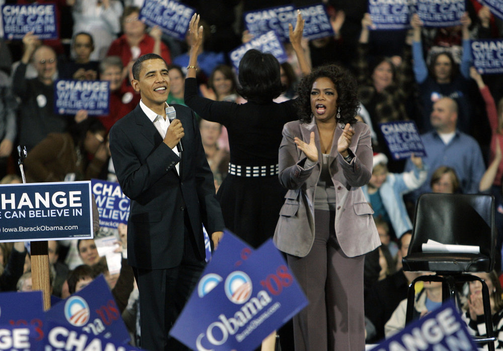 Oprah Winfrey introducing Barack Obama at a campaign rally in 2008. Photo source: Zimbio.