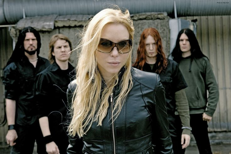 Angela Gossow in the band Arch Enemy. Photo source: Zimbio.