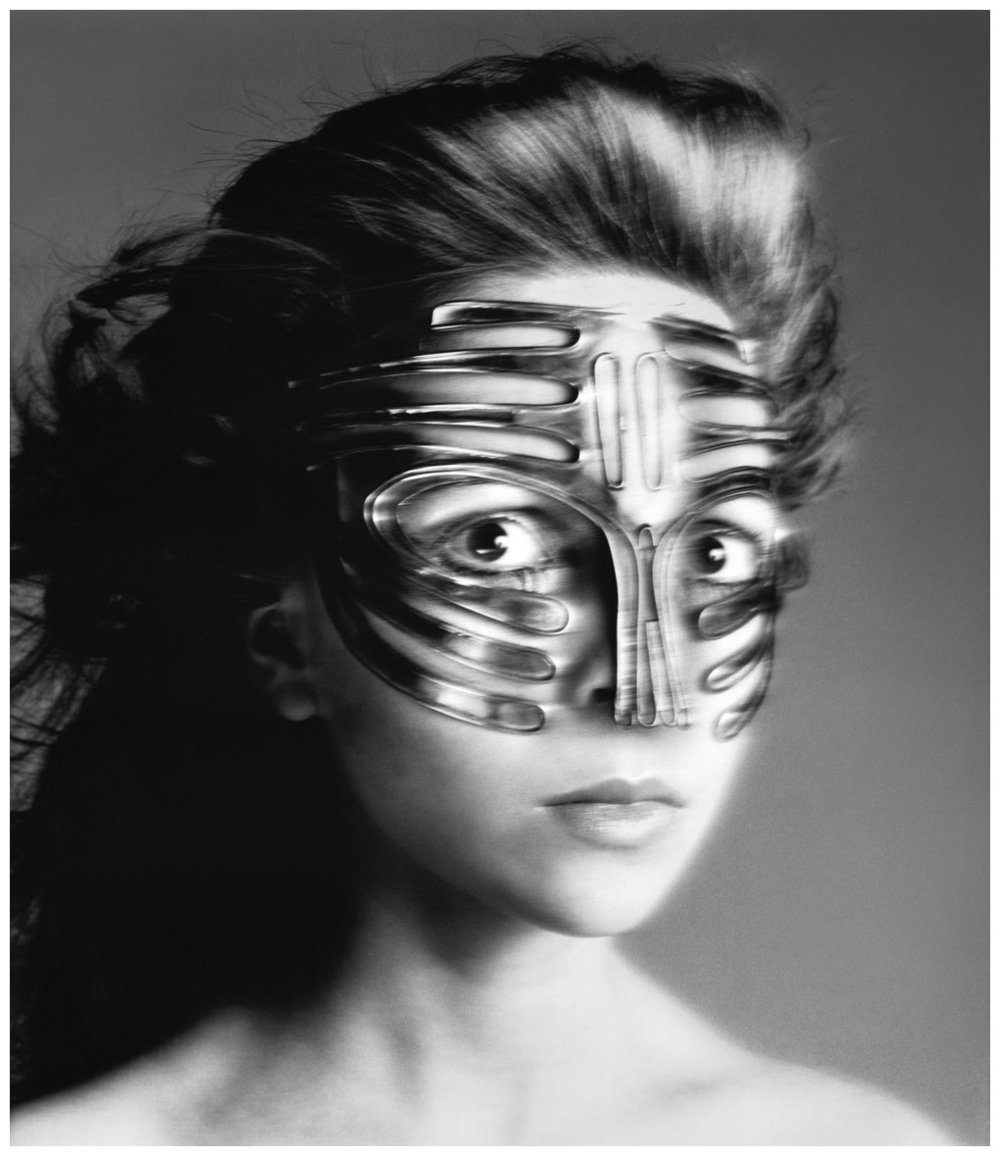Penelope Tree in Emanuel Ungaro Mask, shot by Richard Avedon, 1968.