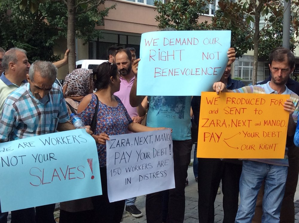 Unpaid Turkish workers of Zara protesting to receive their back wage. Photo source:  cleanclothes.org