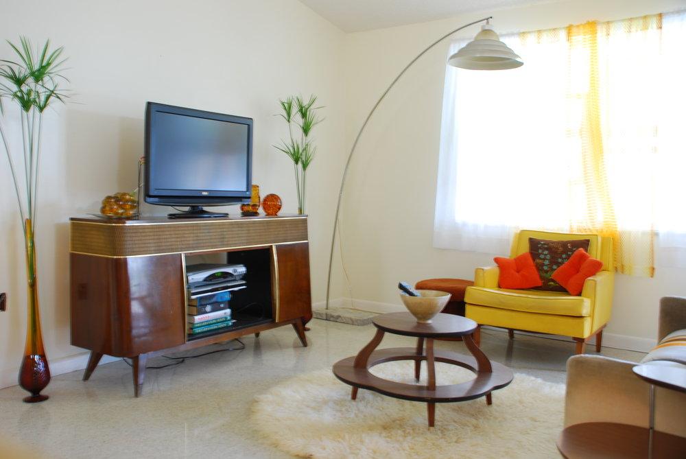 living-room-mid-century-modern-design-ideas-accessories-decor_living-room-scheme-decoration.jpg