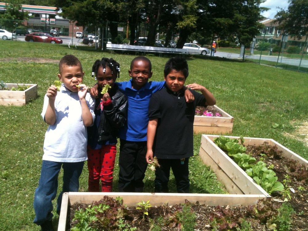 Krieger Garden 1st graders.JPG