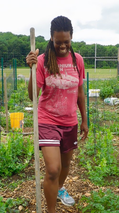 I enjoy growing zucchini, kale, beans, raspberries, and potatoes. In Poughkeepsie Farm Project's Junior Chefs Cooking Club, my daughter learned to make salsa, so I like to grow tomatoes that my daughter can use to make salsa with her friends!
