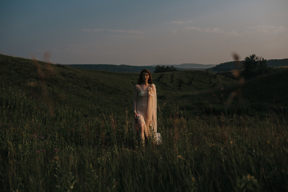 CalgaryWeddingPhotographer-SueMoodiePhotography-EloiseYaskiw-NRTFashions-PinkDress-28.jpg