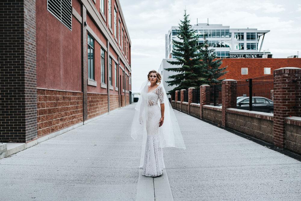 CalgaryWeddingPhotographer-SueMoodiePhotography-NRTFashions-Urban-35.jpg