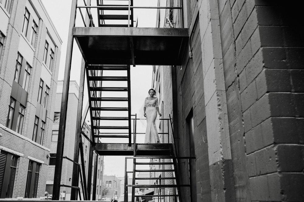 CalgaryWeddingPhotographer-SueMoodiePhotography-NRTFashions-Urban-15.jpg
