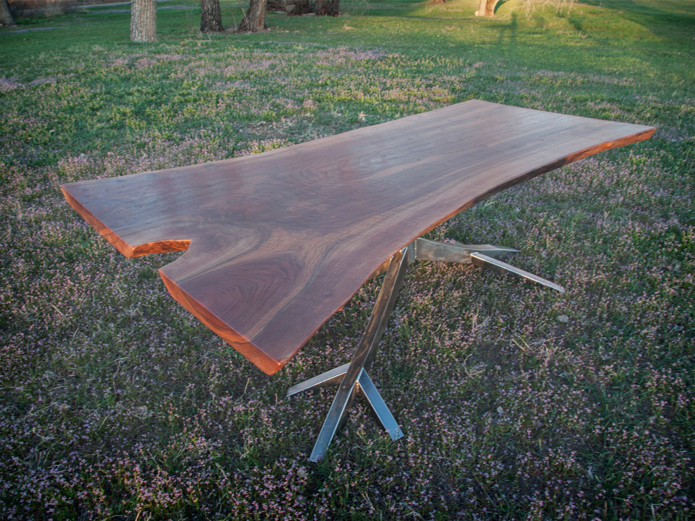 ROOTDOWN Walnut slab top  • •  Stainless tig welded base