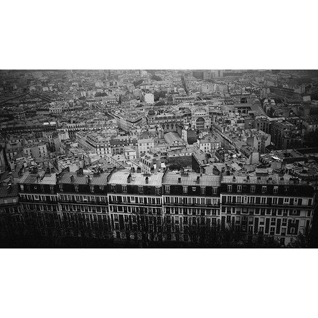 Montmartre . . . #montmartre #paris