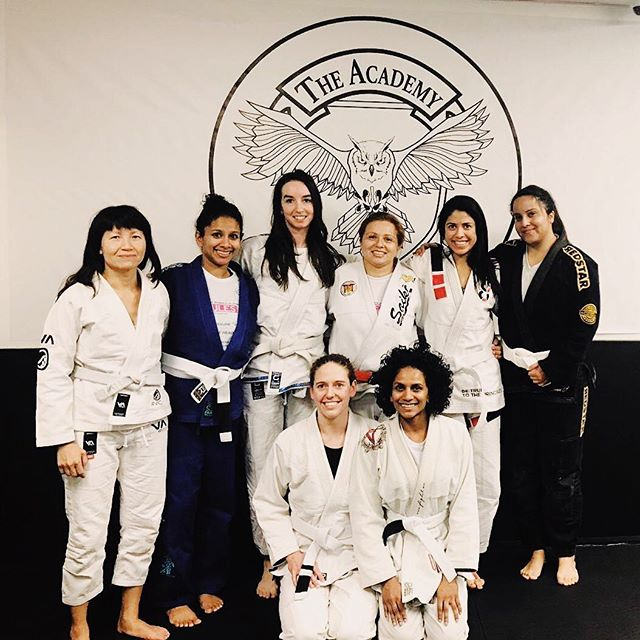 First women's class of the year last night 🥳 #bjjgirls #jiujitsugirls #jiujitsuparamulheres #thematisyourfriend