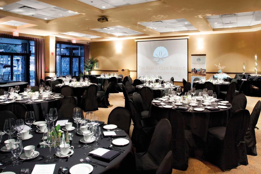 Ballroom — Banquet setup