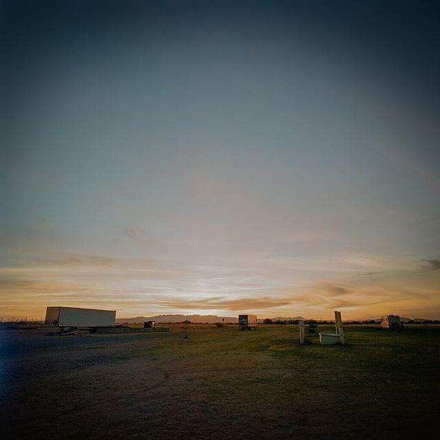 🙏Tucson Sunset 🙏 @gemandjamfestival  #hasselblad500cm #lomographyfilm #gobrokeshootfilm #keepfilmalive #filmphotographic #filmphotography #sunset #tucson