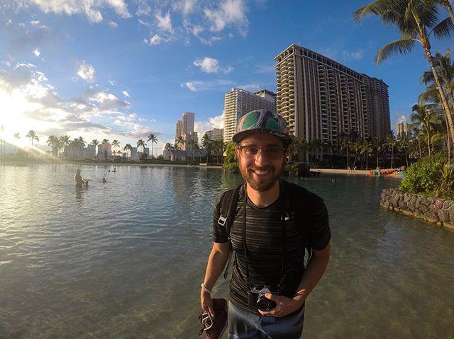 Soaking in this Hawaiian Magic ✨ 📸 @darbecnerwal  #nomakeup