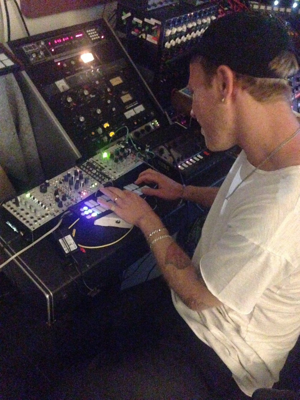 JAKE PLAYING MODULAR