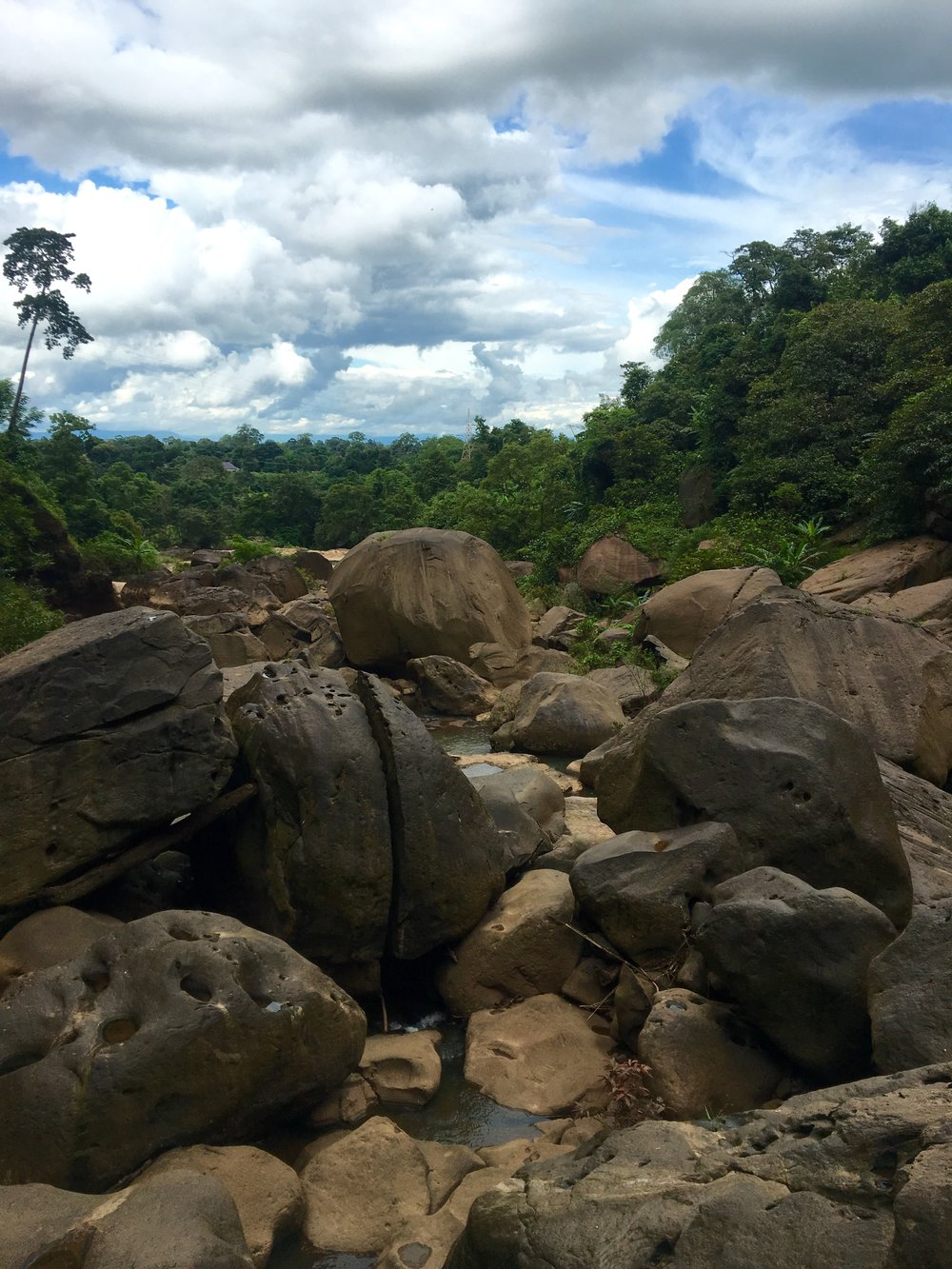 Boulders at the bottom of Tad Suong