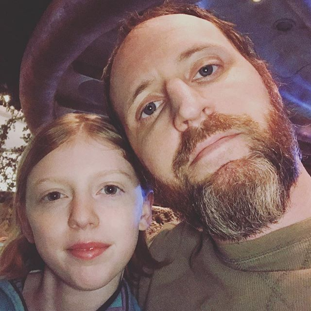 Out on a date with this cutie #fatherdaughterdatenight #fatherdaughter #rainforestcafe