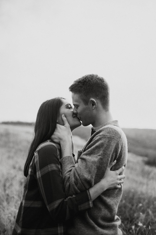Alana+Nick_Engagements-85.jpg