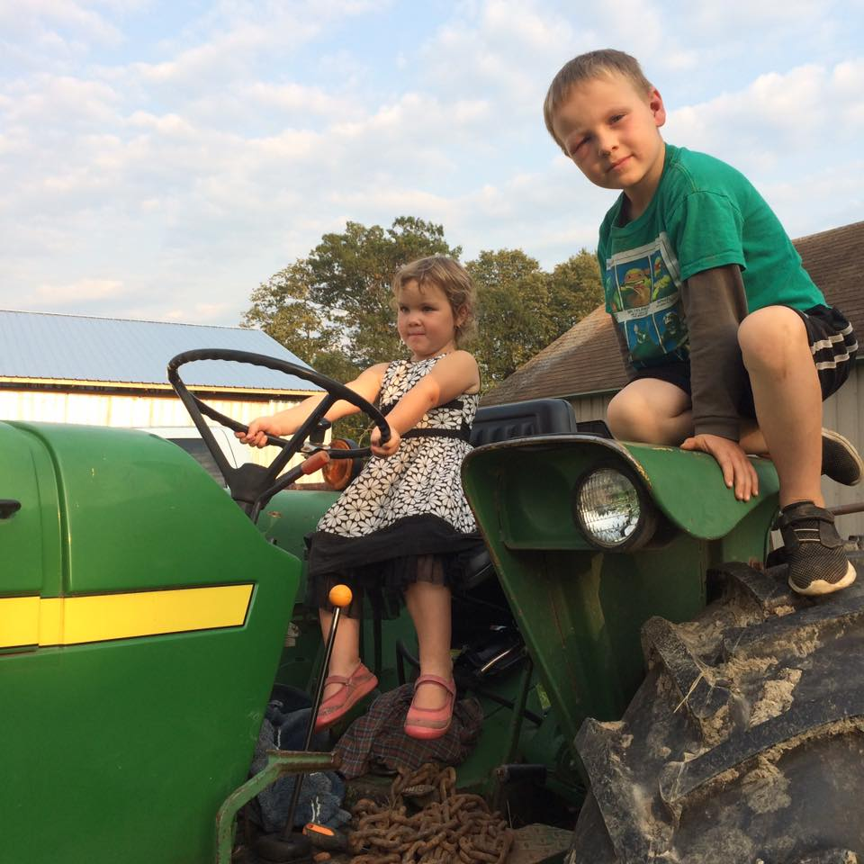 farm kids farmin'