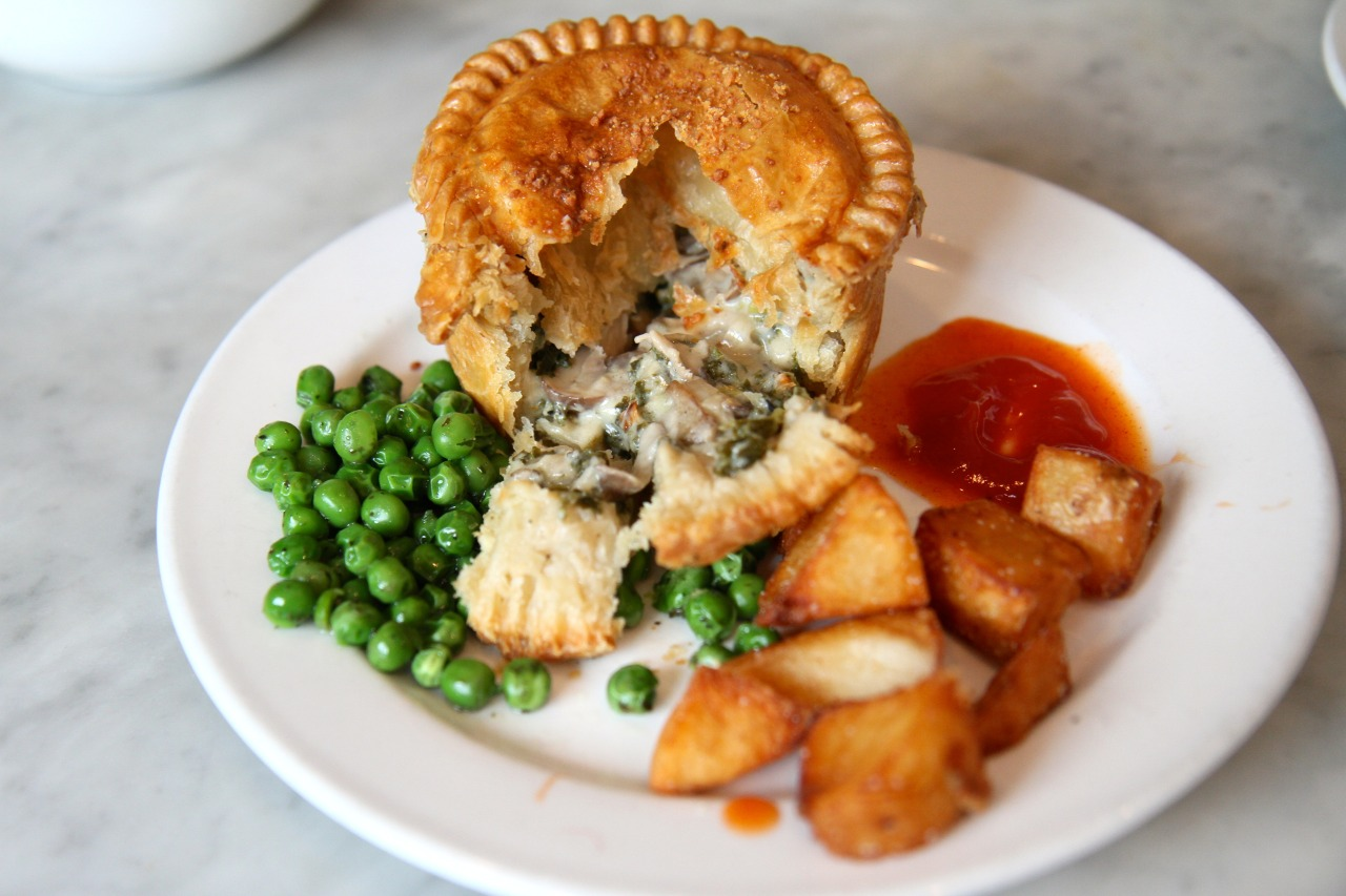 Mushroom & Kale pie, Peas, and Chips