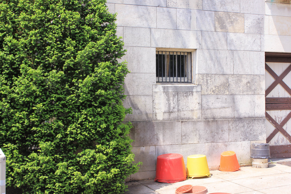 colorful pots-2881.jpg