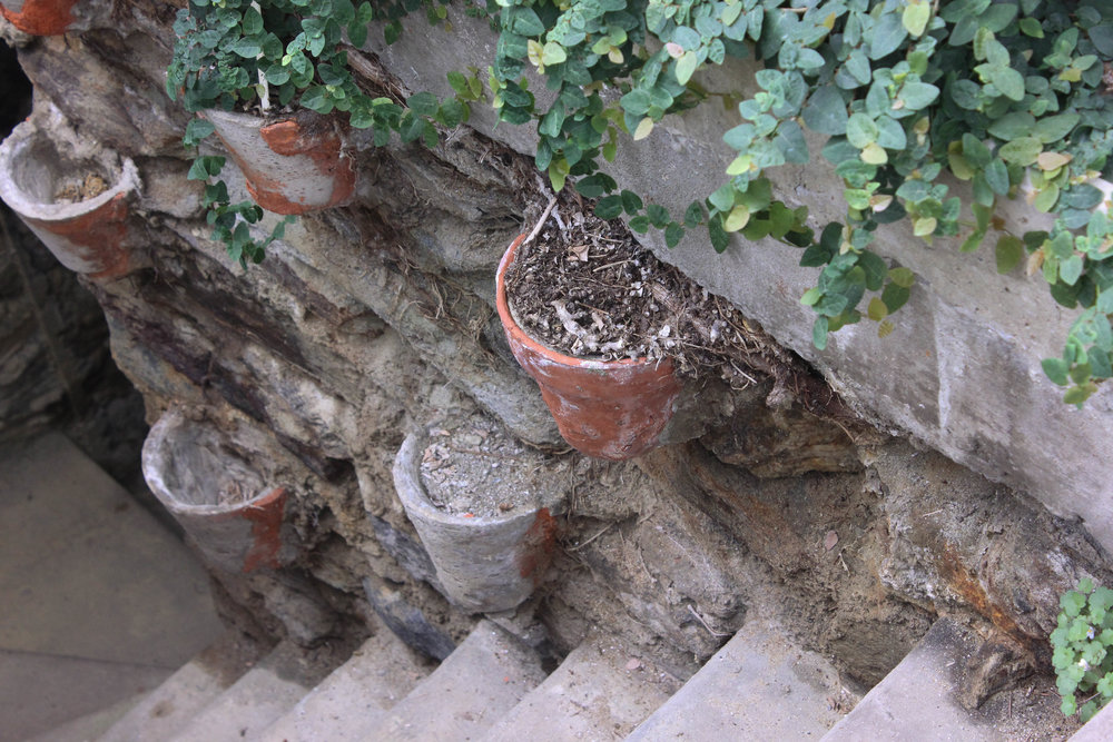 pots and stairs-3264.jpg