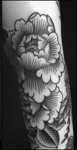steve_delgado_blackandgrey_peonies_traditional_tattoo_losangeles.jpg