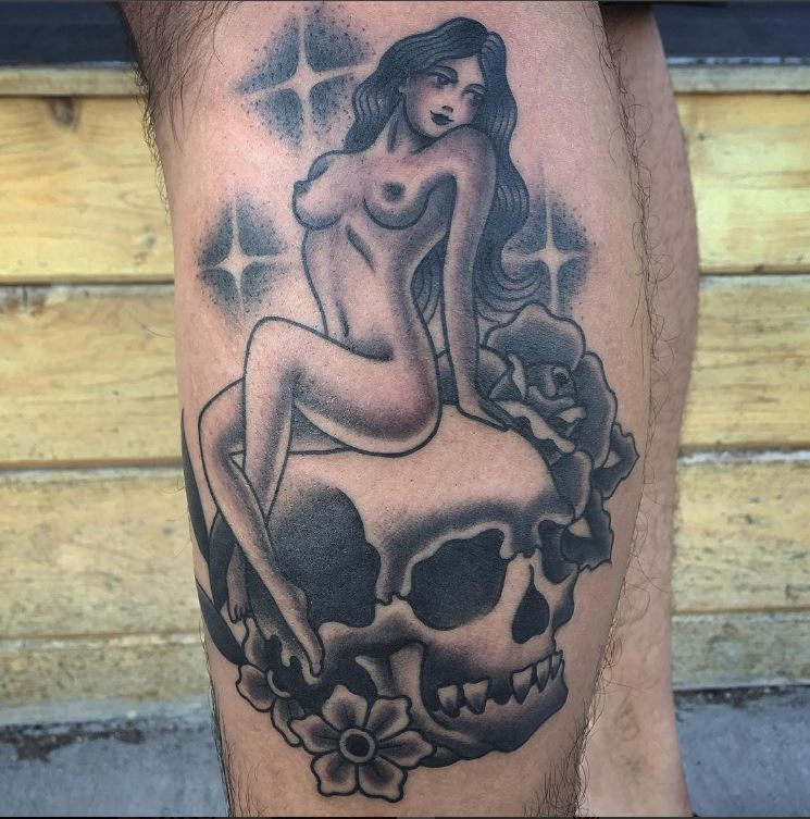 steve_delgado_traditional_blackandgrey_girl_skull_tattoo_losangeles.JPG