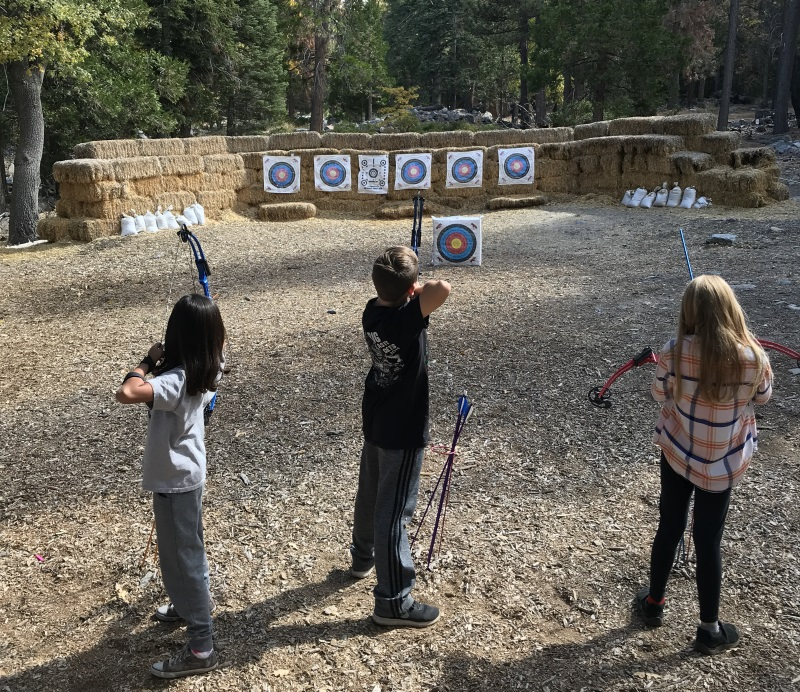 The range handles about 5 archers at a time, and is handled with the care and structure you find at shooting ranges. Fantastic experience.