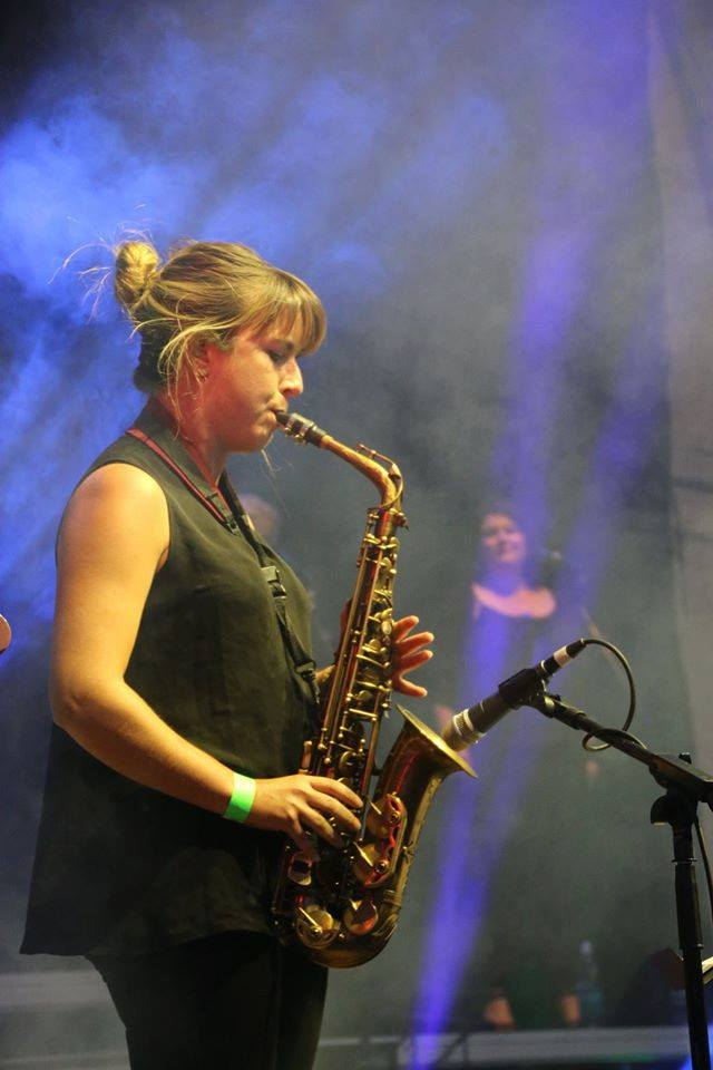 Fiona Body / Vocals & SAX